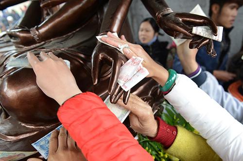 Tuong-phat-Lim-2-5189-13924382-2491-5832