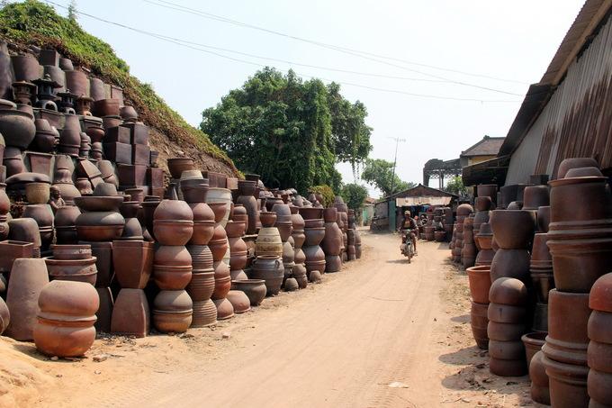 Xuân cuối trên làng gốm cổ nhất Nam bộ
