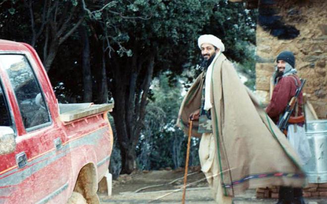 Ảnh hiếm về trùm khủng bố bin Laden 20 năm trước