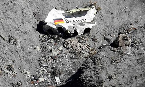germanwings-debris-3247289b-1228-1427452