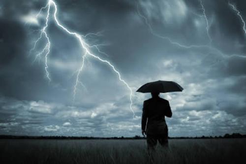 bad-weather-lightening-5758-1427676811.j
