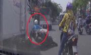 10 kiểu xe qua đường 'tự sát' thường gặp ở Việt Nam