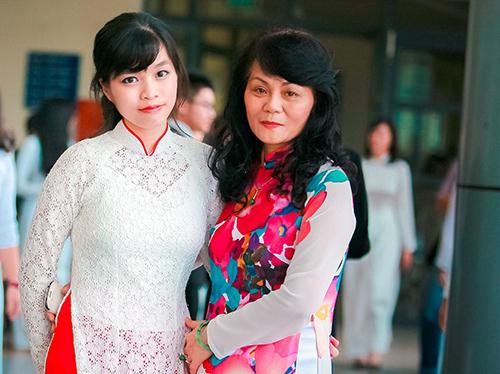 vu-thuy-ngan-va-co-day-sinh1-3823-142932