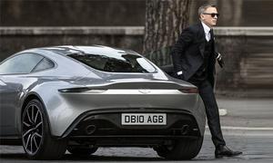 James Bond lái xế lạ trong phim mới