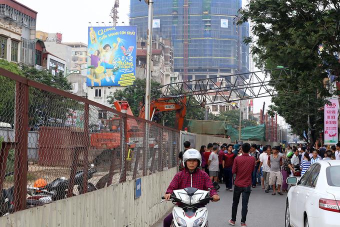Hiện trường vụ sập cần cẩu tuyến metro Nhổn - Ga Hà Nội
