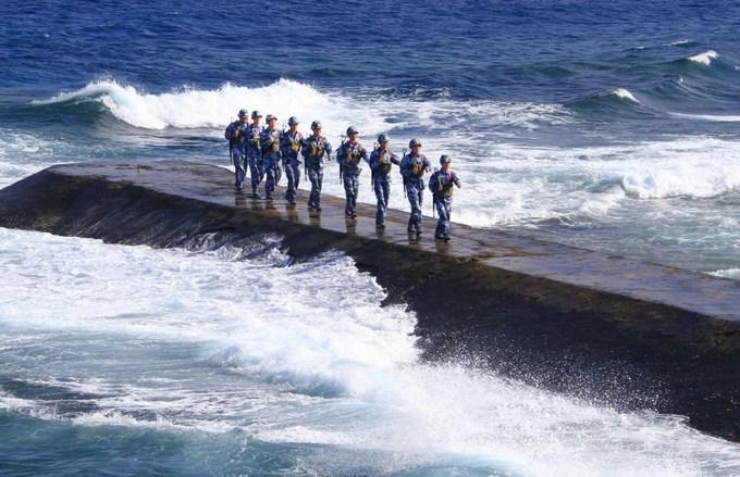 Biển Đông dậy sóng với một loạt biến động