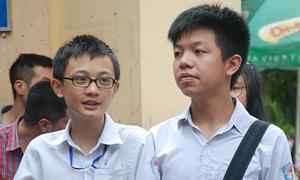 Hàng nghìn thí sinh thi vào lớp 10 chuyên Đại học Sư phạm Hà Nội