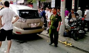 'Đại gia và bạn gái bị tạt axit trong xe Lexus' gây sốc cộng đồng