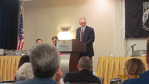 Ron Ward phát biểu tại Hội nghị thường niêncủaLiên hiệp các gia đình có người Mỹ mất tích trong chiến tranh Việt Nam. Ảnh: NVCC