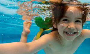 Nguyên nhân gây đau mắt khi bơi