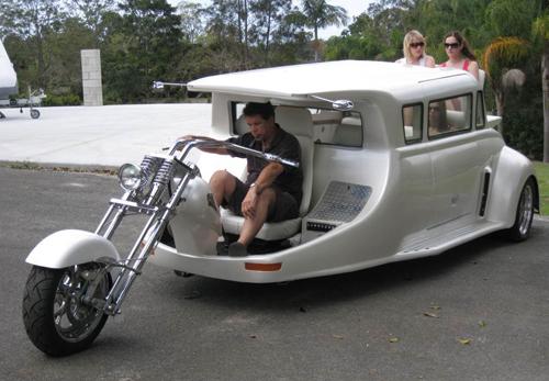 white-harley-limo-6-9370-1435390619.jpg