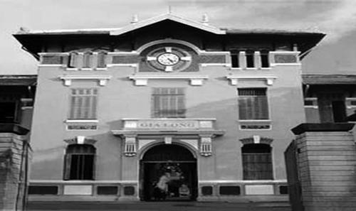 Trường Nguyễn Thị Minh Khai lúc còn mang tên Gia Long. Ảnh: Panoramio.
