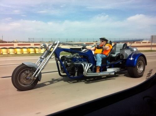 Chiếc xe gắn máy bá đạo.