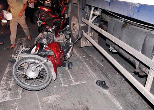 Các xe máy bị hư hỏng. Ảnh: Hải Thuận.