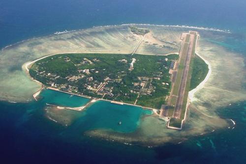 """Cái gọi làthành phố Tam Sa"""" trên đảo Phú Lâm thuộc quần đảo Hoàng Sa của Việt Nam, vi phạm chủ quyền của Việt Nam. Ảnh: Hinews"""