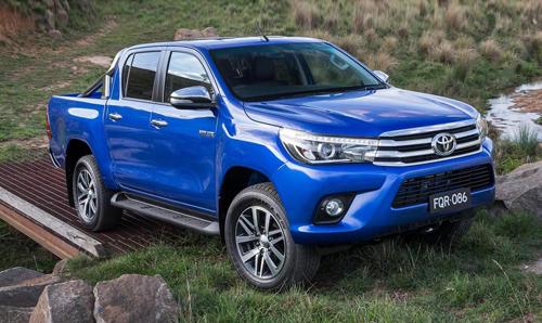 2016-Toyota-Hilux-0-7274-1437968229.jpg