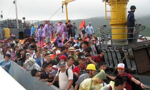 Quảng Ninh gửi thư xin lỗi du khách mắc kẹt ở Cô Tô