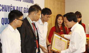 Học sinh chuyên ĐH Quốc gia Hà Nội đại thắng Olympic quốc tế