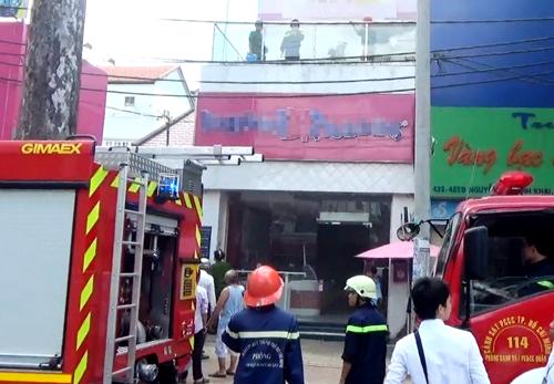 Đám cháy được dập tắt ngay sau đó. Ảnh: Hải Thuận.