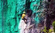 Sơn vách núi cao 900 m để hợp phong thủy