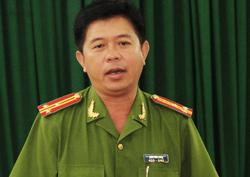 Thượng tá Trần Văn Dũng khẳng định đây là vụ đặc biệt nghiêm trọng, lần đầu tiên xảy ra trên đảo. Ảnh: Cửu Long