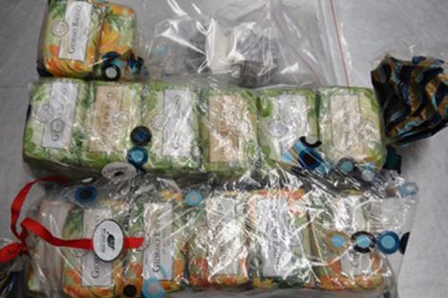 Số xà bông chứa 4,5 kg cocaine trong hành lý của ôngTwartz. Ảnh: Mirror