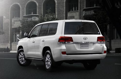 Toyota-Land-Cruiser-200-9.jpg