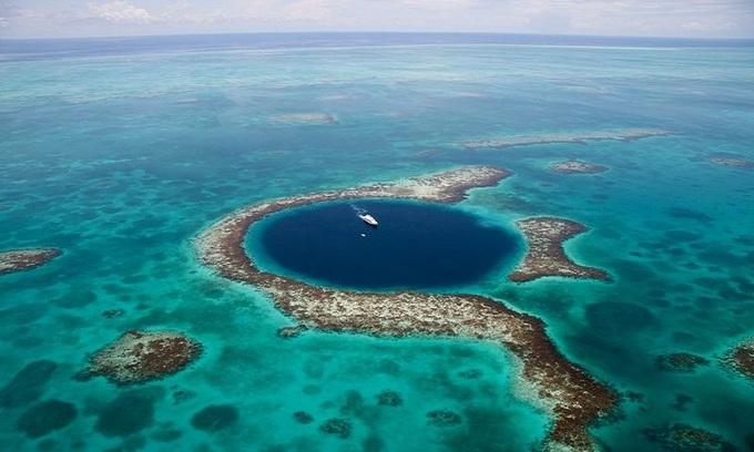 Những hố xanh sâu thẳm trên thế giới