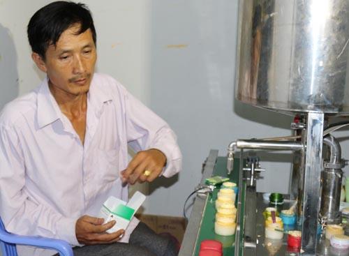 Cơ sở sản xuất mỹ phẩm giả quy mô lớn của Thành bị cảnh sát phát hiện tối ngày 4/9. Ảnh: C.A