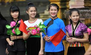 Nữ sinh Việt Bắc đa sắc màu ngày tựu trường