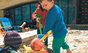Bé 5 tuổi đào hầm trốn khỏi trường mẫu giáo