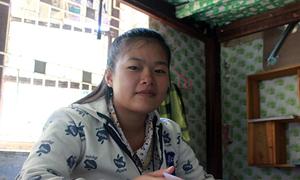 Mẹ con thủ khoa hơn 10 năm nương nhờ cửa Phật