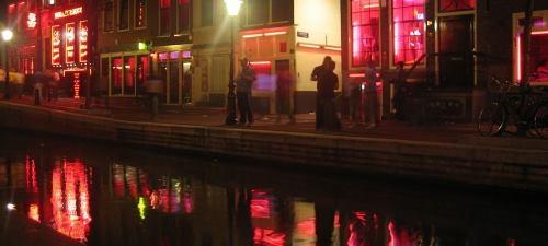 Phố đèn đỏ ở Amsterdam. Ảnh:Wikimedia Commons