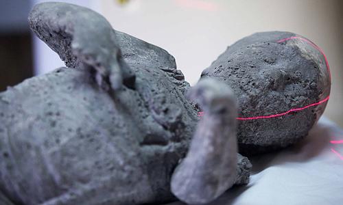 pompeii-close-3458713b-7873-1444034190.j