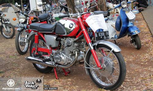 Honda-CB72-19621-6470-1444104690.jpg