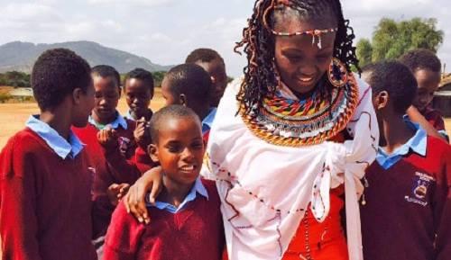 Kulea được coi là người mẹ thứ hai của của 200 bé gái ở Kenya. Ảnh: CNN