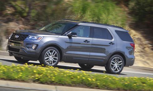 ford-explorer-limited-2016-em-ai-va-muot-ma-hon-voi-3-hang-ghe-2