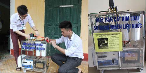 doi-ban-cung-lop-che-may-han-cat-kim-loai-bang-nuoc-1