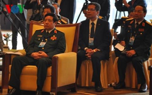 Bộ trưởng Quốc phòng Việt Nam Phùng Quang Thanh tham dự cuộc gặp. Ảnh: VOV