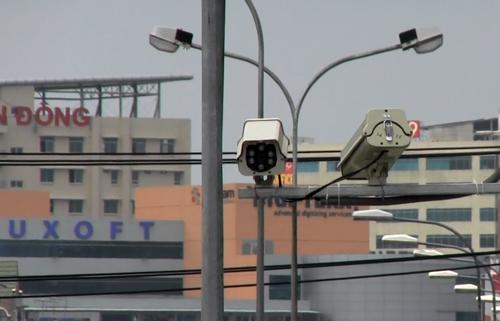 tp-hcm-lap-camera-soi-nguoi-vut-rac-1