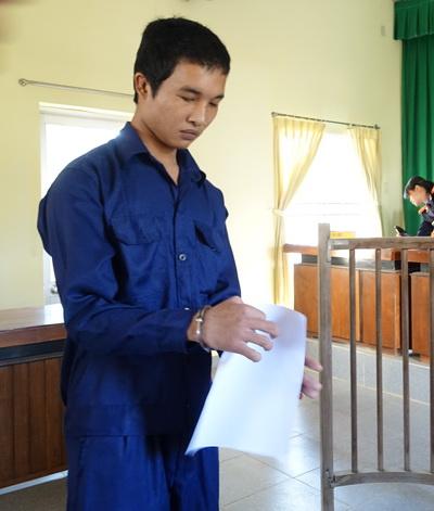 Từ những dấu hiệu đó cộng với Hào Anh có tiền sử đi chữa bệnh tâm thần, HĐXX quyết định trả hồ sơ để bổ sung giám định tâm thần pháp y đối với bị cáo.