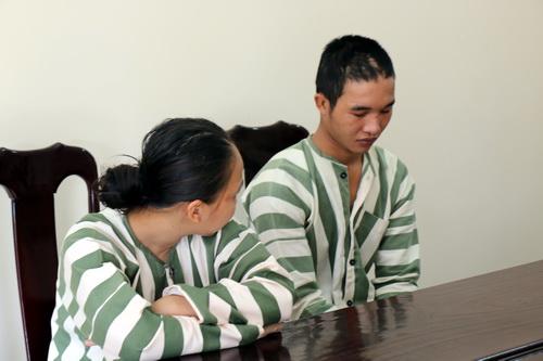 Hào Anh và Thảo Duy tại Cơ quan cảnh sát điều tra. Ảnh: Quốc Dũng