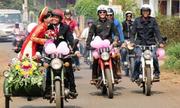 Những phương tiện rước dâu 'độc đáo' nhất Việt Nam