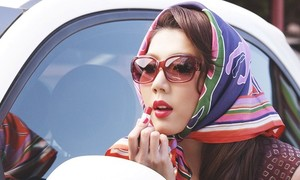 'Người mẫu Ngọc Quyên bán quần áo hạ giá kiếm sống ở Mỹ' nóng nhất mạng XH