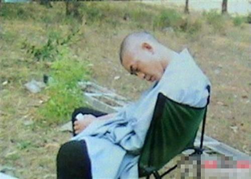 Tề Thiên Đại Thánh cũng có lúc ngủ gật.