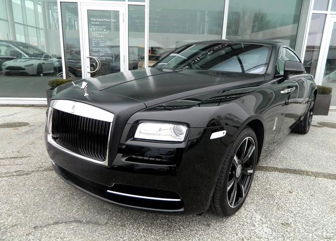 Rolls-Royce Wraith đen tuyền đặc biệt