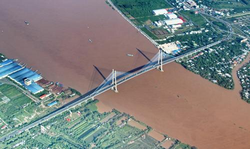 Cầu Mỹ Thuận 2 sẽ được bắc qua sông Tiền, cách cầu Mỹ Thuận hiện hữu khoảng 1,2km về phía thượng lưu. Ảnh: Cửu Long