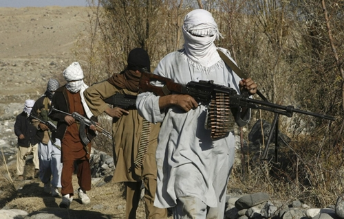 Phiến quân Taliban hoạt độngở tỉnh Nangarhar, Afghanistan, năm 2010. Ảnh: Reuters.