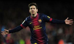 Sao bắt Messi phải đi khi anh làm nên lịch sử cho Barca?