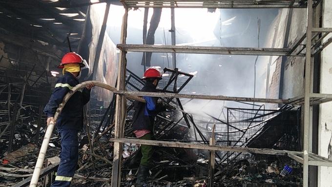 Cháy chợ Phủ Lý thiệt hại hàng trăm tỷ đồng